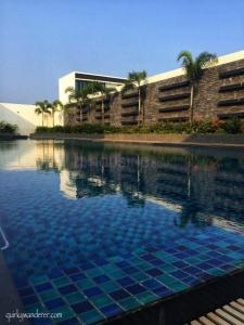 Gallery Cover Image of 4056 Sq.ft 3 BHK Villa for buy in Khandala for 35000000