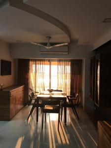 Gallery Cover Image of 1325 Sq.ft 2 BHK Apartment for rent in Seawoods for 60000