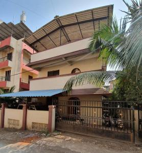 Gallery Cover Image of 1200 Sq.ft 5 BHK Apartment for rent in Ambernath East for 10000
