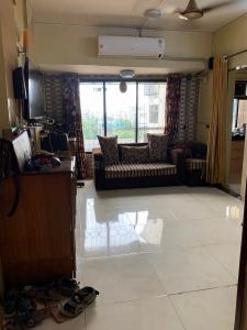 Gallery Cover Image of 575 Sq.ft 1 BHK Apartment for rent in Shree Adinath Towers, Borivali East for 19000