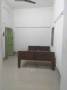 Gallery Cover Image of 380 Sq.ft 1 BHK Apartment for rent in Howrah Railway Station for 5500