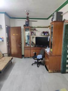 Gallery Cover Image of 650 Sq.ft 1 BHK Apartment for rent in Malad East for 30000