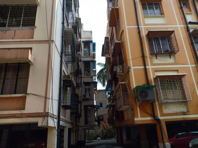 Gallery Cover Image of 1000 Sq.ft 2 BHK Apartment for buy in Kasba for 3500000