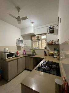 Gallery Cover Image of 1450 Sq.ft 3 BHK Apartment for buy in Rodas Enclave Sunrays, Hiranandani Estate for 24000000