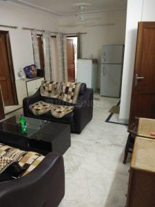 Gallery Cover Image of 900 Sq.ft 3 BHK Independent Floor for rent in RWA Khirki Extension Block R, Malviya Nagar for 32000