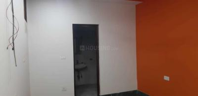 Gallery Cover Image of 1000 Sq.ft 3 BHK Apartment for rent in Preet Vihar for 16000
