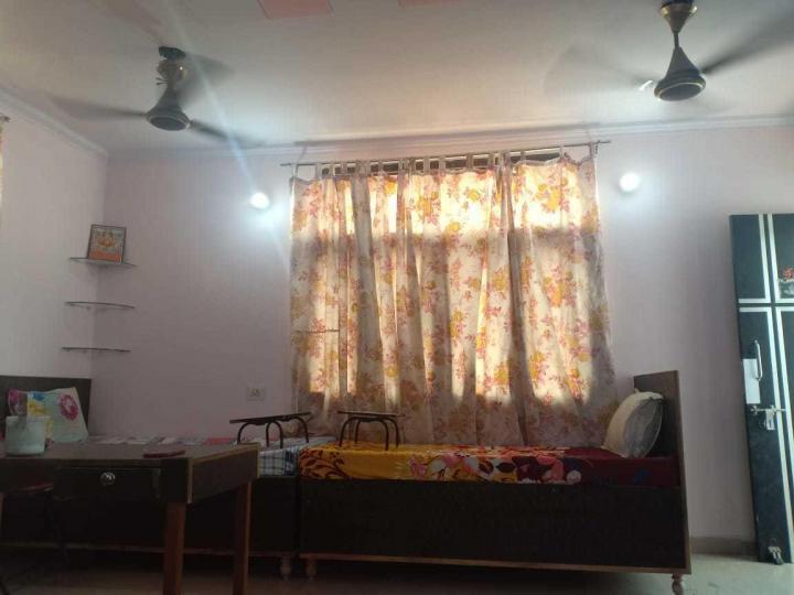 झिलमिल कॉलोनी में कृष्ण पेइंग गेस्ट के बेडरूम की तस्वीर