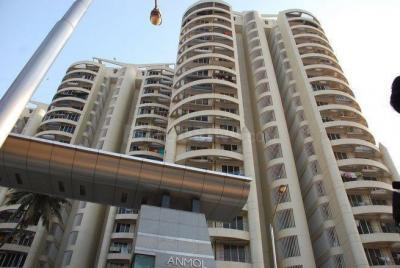 Gallery Cover Image of 2240 Sq.ft 4 BHK Apartment for rent in Goregaon West for 100000