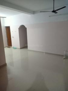 Gallery Cover Image of 1000 Sq.ft 2 BHK Apartment for rent in Kelambakkam for 11500