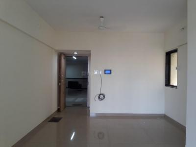 Gallery Cover Image of 950 Sq.ft 2 BHK Apartment for rent in DB Orchid Suburbia, Kandivali West for 35000