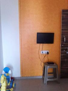 Gallery Cover Image of 660 Sq.ft 1 BHK Apartment for rent in Badlapur East for 4500