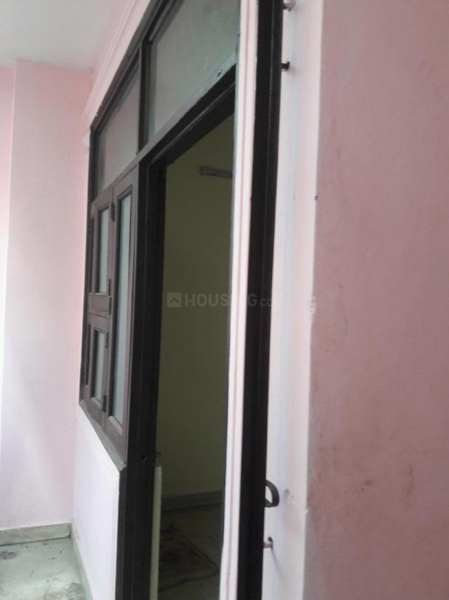 Main Entrance Image of 450 Sq.ft 1 BHK Independent Floor for buy in Hari Nagar for 2700000