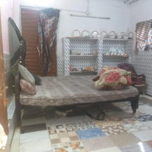 Gallery Cover Image of 450 Sq.ft 1 BHK Independent House for buy in Natraj Nagar for 800000