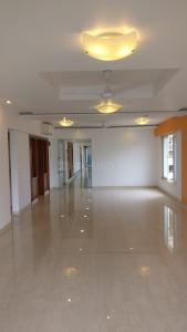 Gallery Cover Image of 3000 Sq.ft 4 BHK Apartment for rent in Ekta Enchante, Khar West for 350000
