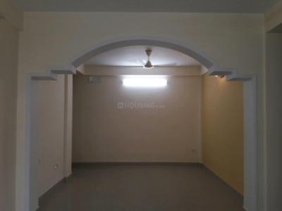 Gallery Cover Image of 1200 Sq.ft 3 BHK Apartment for rent in Birati for 15000