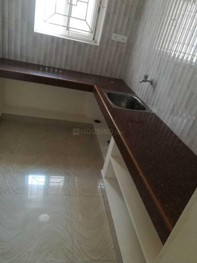 Kitchen Image of 700 Sq.ft 1 BHK Apartment for rent in Perungalathur for 8000