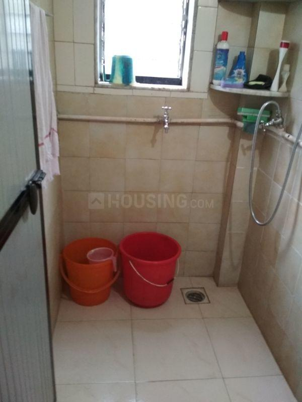 Common Bathroom Image of 525 Sq.ft 1 BHK Apartment for rent in Borivali East for 18000
