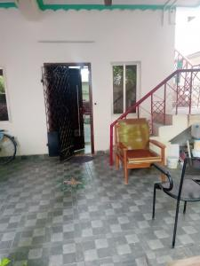 Gallery Cover Image of 1400 Sq.ft 3 BHK Independent House for rent in Narasingapuram for 5500
