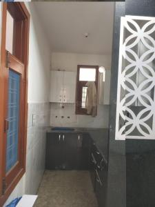 Gallery Cover Image of 850 Sq.ft 2 BHK Apartment for buy in Vasundhara for 3340000