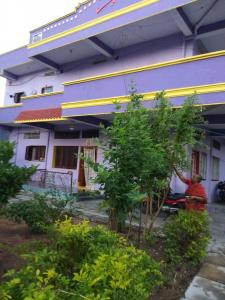 Gallery Cover Image of 6000 Sq.ft 8 BHK Independent House for buy in Hanamkonda for 36000000