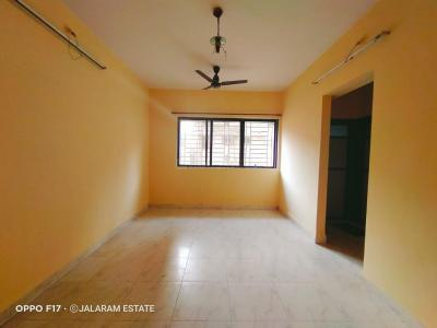 Gallery Cover Image of 575 Sq.ft 1 BHK Apartment for rent in Shreeji Avenue, Mulund East for 25000