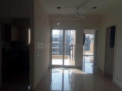 Gallery Cover Image of 1040 Sq.ft 2 BHK Apartment for rent in Omicron I Greater Noida for 15000