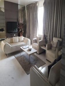 Gallery Cover Image of 1200 Sq.ft 2 BHK Apartment for rent in Kondhwa for 16500