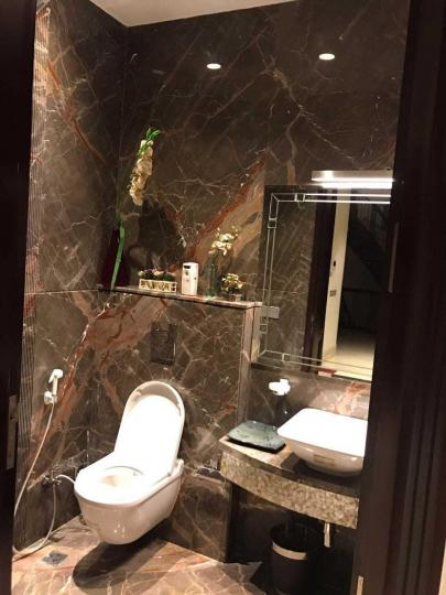 Bathroom Image of 1800 Sq.ft 3 BHK Independent Floor for rent in Paschim Vihar for 30000