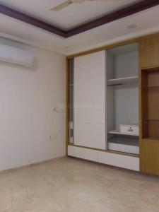 Gallery Cover Image of 1800 Sq.ft 3 BHK Apartment for rent in Sector 13 Dwarka for 30000