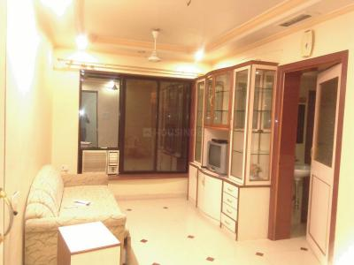 Gallery Cover Image of 585 Sq.ft 1 BHK Apartment for rent in Kandivali East for 23000