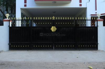 Gallery Cover Image of 850 Sq.ft 2 BHK Independent House for rent in Neelankarai for 12500