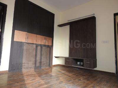 Gallery Cover Image of 1040 Sq.ft 2 BHK Apartment for rent in Sector 137 for 23000
