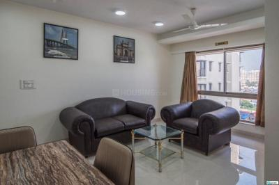 Gallery Cover Image of 1000 Sq.ft 2 BHK Apartment for rent in Khar West for 110000