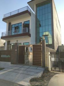 Gallery Cover Image of 7200 Sq.ft 6 BHK Independent House for buy in Omega II Greater Noida for 25000000
