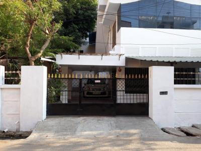 Gallery Cover Image of 5580 Sq.ft 10 BHK Independent House for buy in Anna Nagar for 120000000
