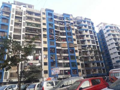 Gallery Cover Image of 950 Sq.ft 2 BHK Apartment for rent in Kandivali East for 26000