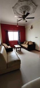 Gallery Cover Image of 1200 Sq.ft 2 BHK Apartment for rent in Murugeshpalya for 24500