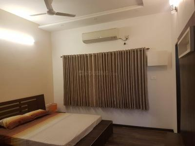 Gallery Cover Image of 2850 Sq.ft 3 BHK Villa for buy in Manapakkam for 20000000