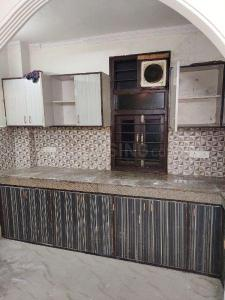 Gallery Cover Image of 1000 Sq.ft 2 BHK Independent Floor for rent in RWA Khirki Extension Block R, Malviya Nagar for 19000