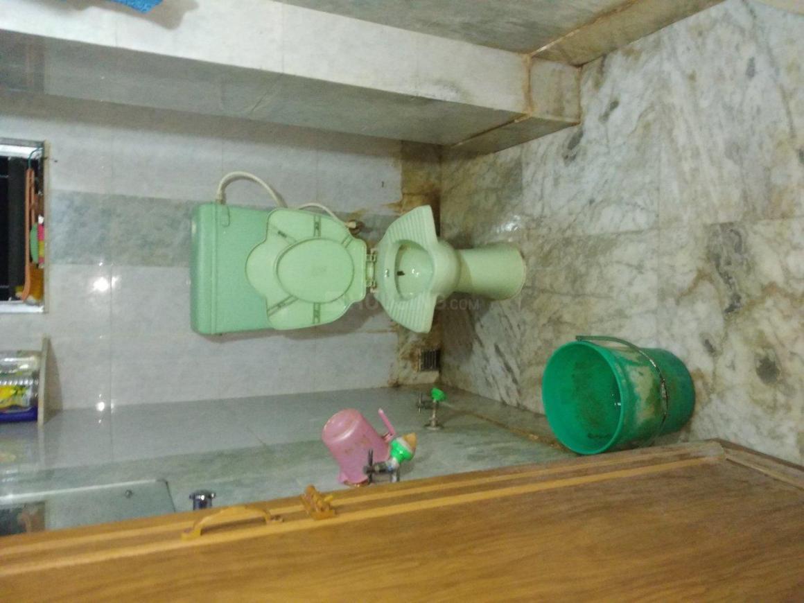 Bathroom Image of 450 Sq.ft 1 RK Apartment for rent in Keshtopur for 4500