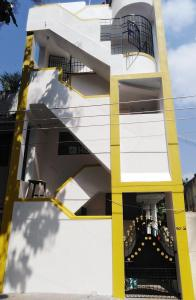 Gallery Cover Image of 600 Sq.ft 1 BHK Independent Floor for rent in Madipakkam for 7000