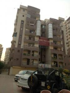 Gallery Cover Image of 1750 Sq.ft 3 BHK Apartment for buy in Balaji Residency, Ahinsa Khand for 6300000