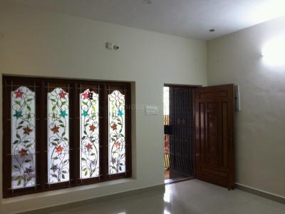 Gallery Cover Image of 950 Sq.ft 2 BHK Apartment for rent in Ambattur for 12000