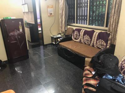 Gallery Cover Image of 800 Sq.ft 2 BHK Apartment for rent in Juhu for 52000