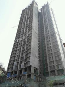 Gallery Cover Image of 980 Sq.ft 2 BHK Apartment for buy in Kandivali West for 18000000