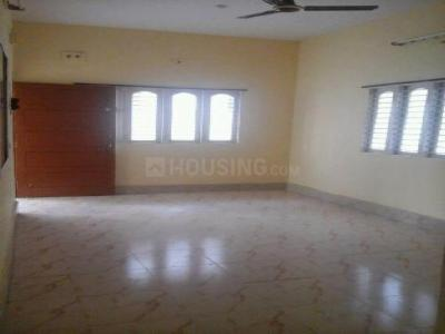 Gallery Cover Image of 760 Sq.ft 2 BHK Apartment for rent in Beliaghata for 11000