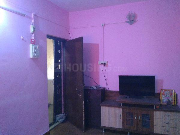 Living Room Image of 610 Sq.ft 1 BHK Apartment for rent in Kopar Khairane for 18500