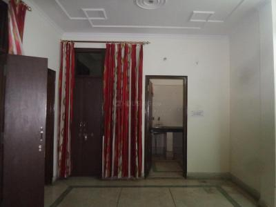 Gallery Cover Image of 750 Sq.ft 2 BHK Independent Floor for rent in Madanpur Khadar for 15000
