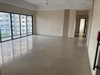 Gallery Cover Image of 4200 Sq.ft 4 BHK Apartment for rent in Powai for 180000