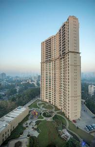 Gallery Cover Image of 1100 Sq.ft 3 BHK Apartment for buy in Hiranandani Heritage, Kandivali West for 31000000